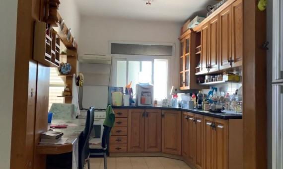 , למכירה בטבריה ברחוב ברוריה דירת 4 חדרים