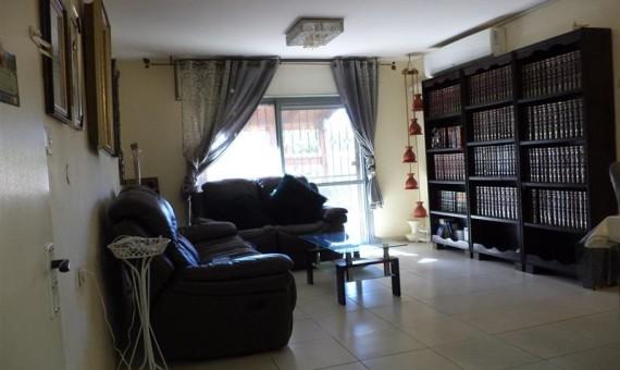 , למכירה בכרמיאל ברח' שיזף דירת גן 4 חדרים