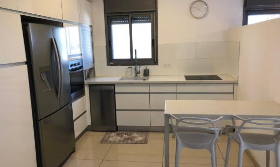 , למכירה בכרמיאל ברח' נשיאי ישראל קוטג' 5 חדרים